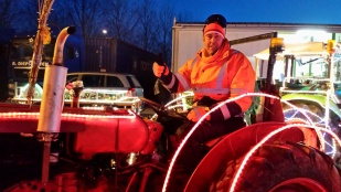 tractor15-1.jpg